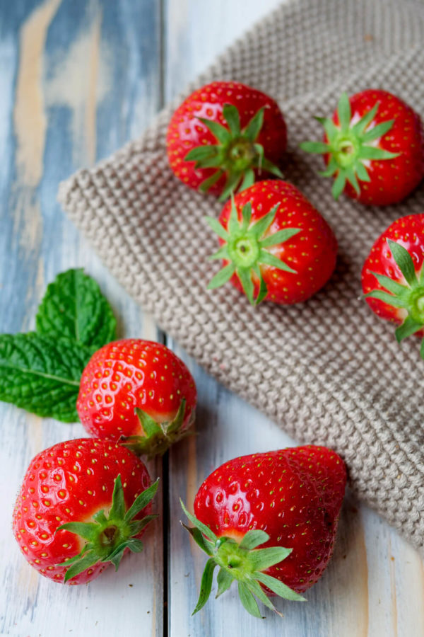 Erdbeeren mit Minze
