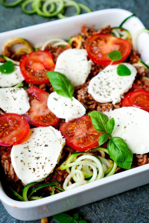 Zucchiniauflauf Rezept mit Tomaten, Mozzarella und Hackfleisch