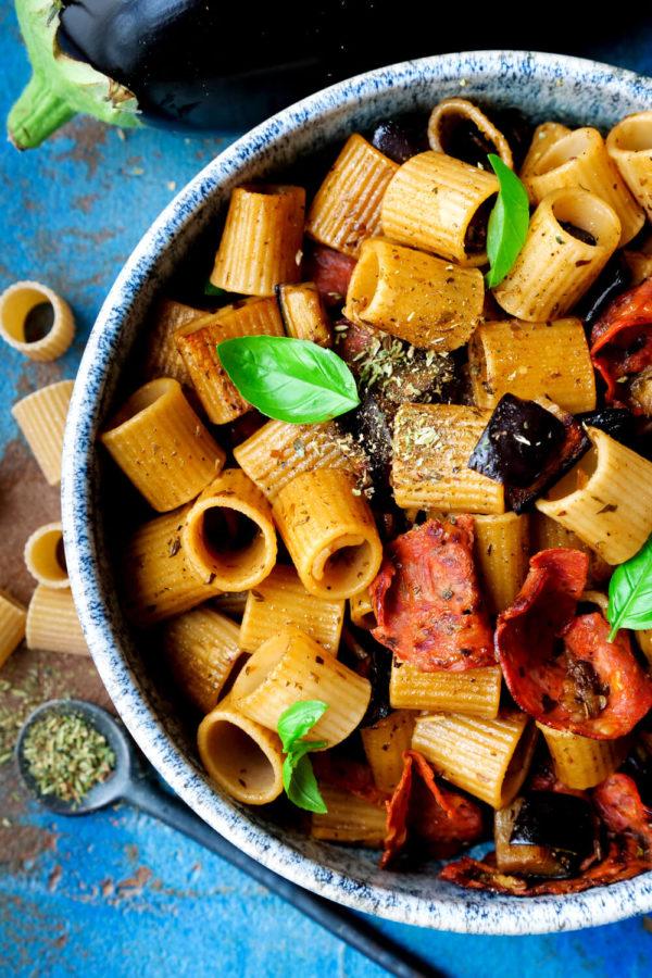 Auberginen-Pasta mit Chorizo, Oregano, Olivenöl und Aubergine