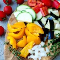 Gemüse schneiden für Ratatouille