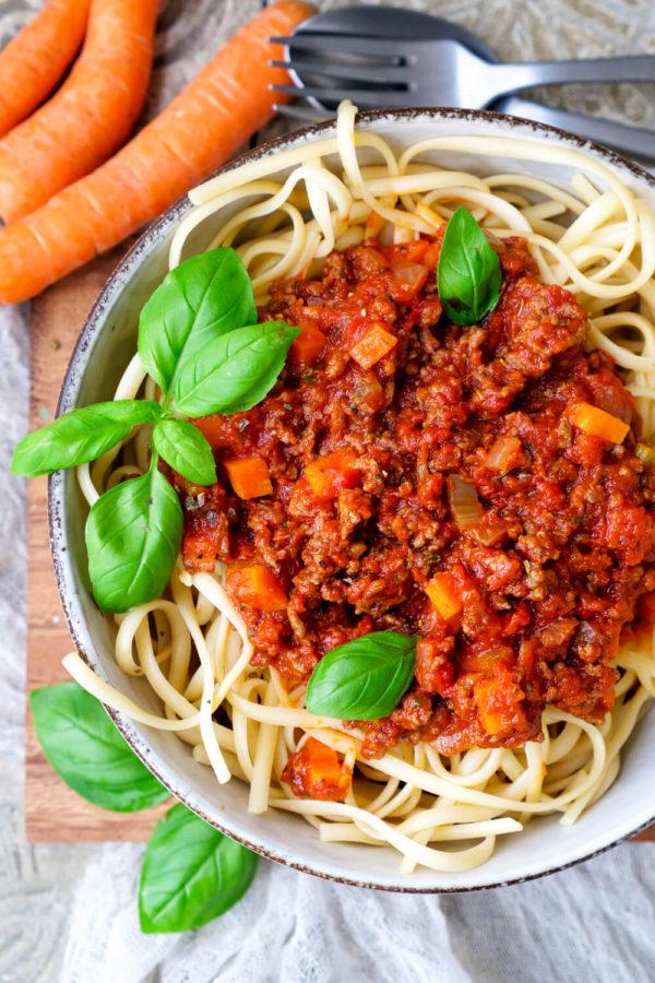 Bolognese-Sauce zu Spaghetti