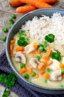 Hühnerfrikassee wie bei Mama mit Gemüse, Hähnchen und Reis