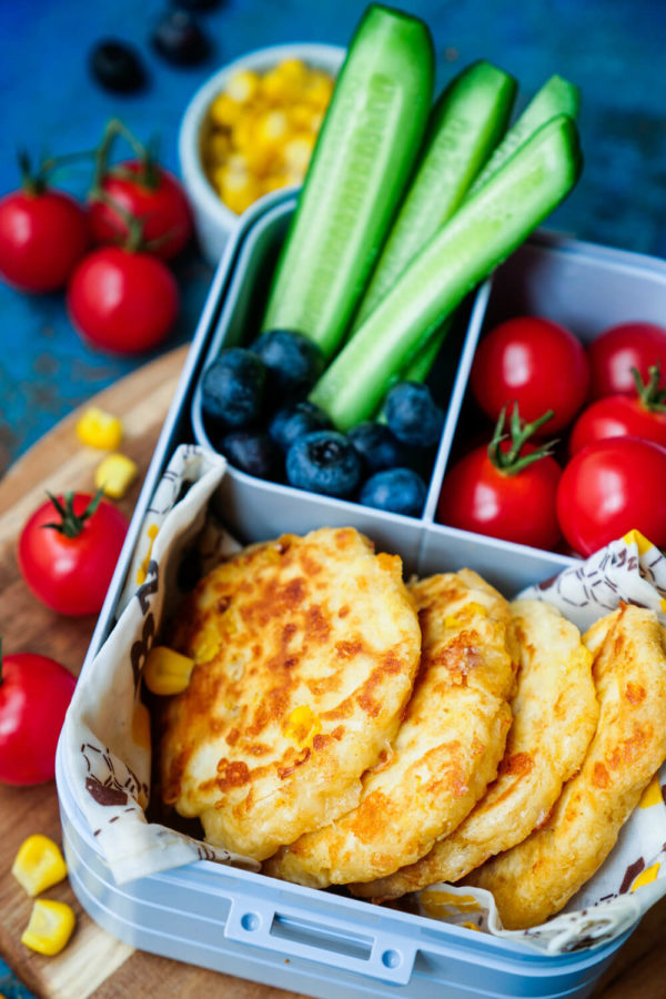 Maispuffer als schneller und gesunder Snack für die Brotdose