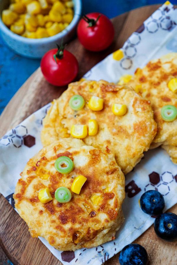 Maispuffer mit Käse als FIngerfood für Babys und Kinder