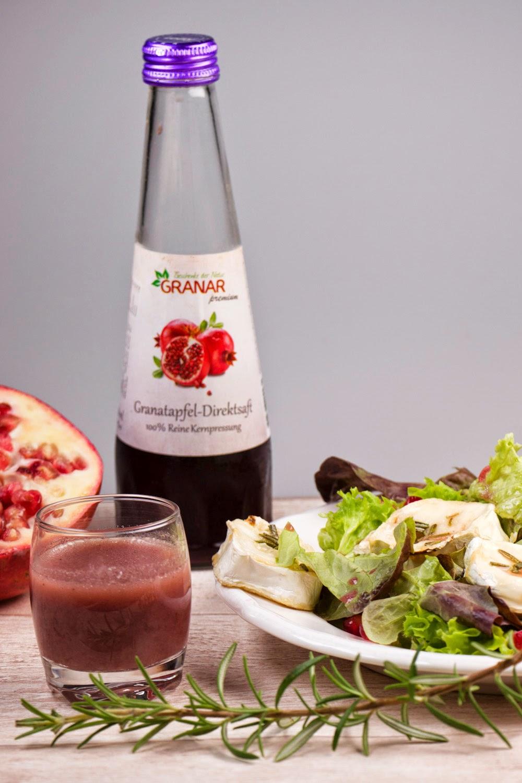 Granar.de - gemischten Salat mit gebackenem Honig-Ziegenkäse, Granatapfelkernen und Granatapfel-Dressing